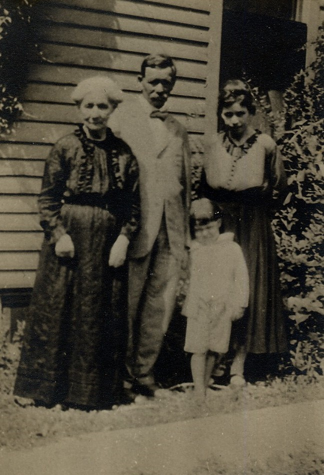 Mary McKendry, George, Lura and Laurence Nichols