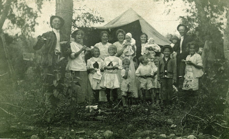 O'Malleys & Friends Camping c 1910s